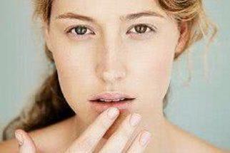 Tratamentos para lábios rachados (cuidados para evitar o problema)