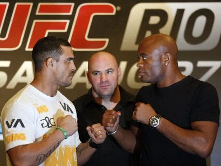 UFC 126 - vídeo da luta entre Anderson Silva e Vitor Belfort