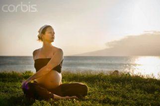 Yoga/ioga para gestantes: benefícios p/ mãe e bebê (vídeo de aula)